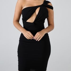 Dresses & Skirts - Elegant Body Con Dress
